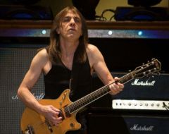 Guitarrista do AC/DC, Malcolm Young, morre aos 64 anos