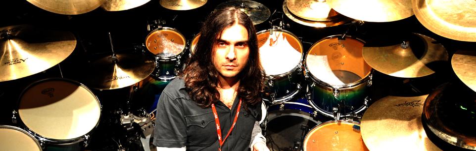 Silent Cry: Ricardo Confessori grava o novo álbum da banda