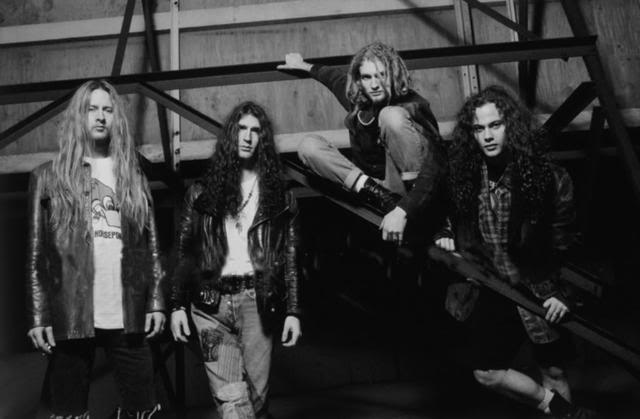 Heavy Metal e Grunge: estilos se confrontaram na década de 90?