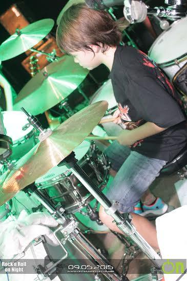 Vincenzo já estuda bateria há 3 anos