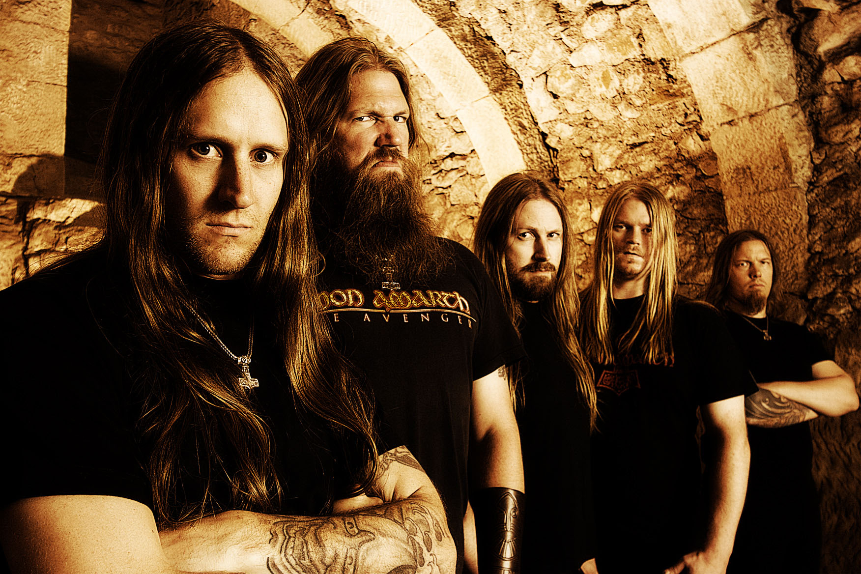 """Amon Amarth: assista ao novo videoclipe, """"At Dawn's First Light"""""""