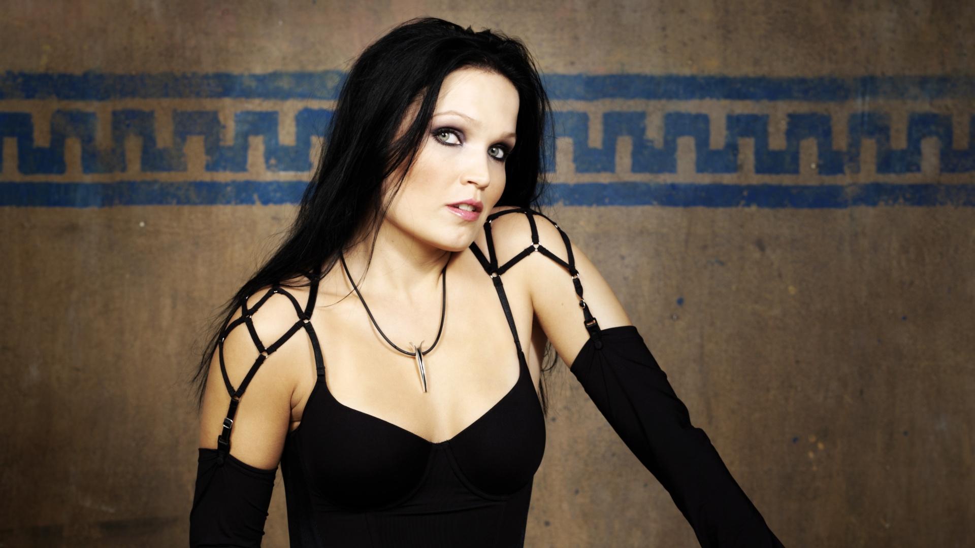 Tarja Turunen lançará novo álbum em agosto. Veja capa!