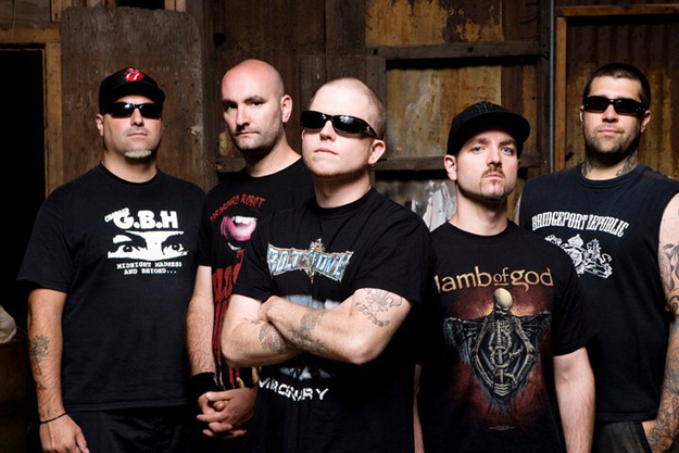 "Hatebreed: assista ao novo clipe, ""Looking Down The Barrel Of Today"""