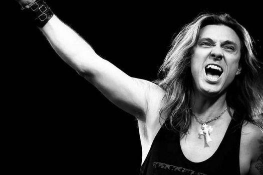 Edu Falaschi: confira mega entrevista para o Combate Rock do UOL