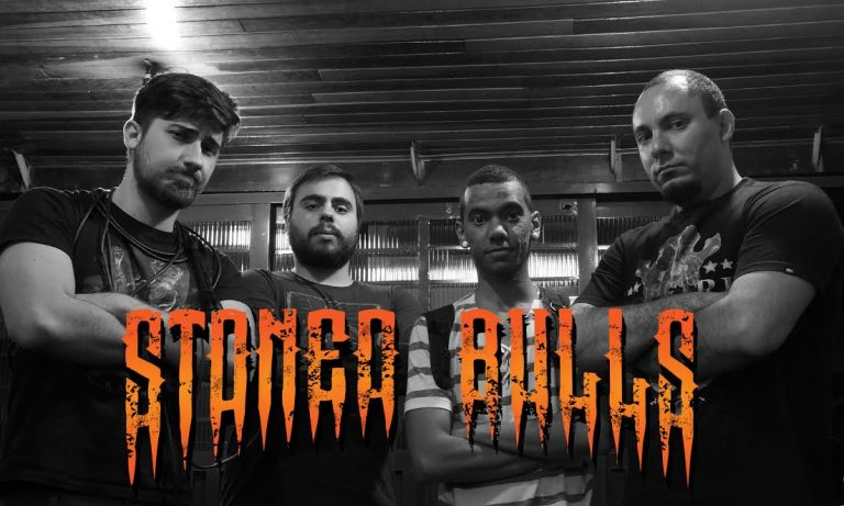 Stoned Bulls: concorra a uma camiseta do grupo com apenas um clique