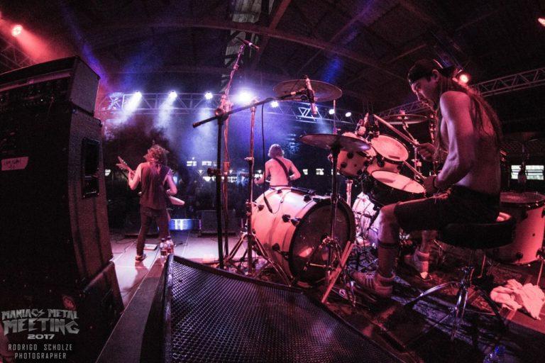 Maniacs Metal Meeting: festival mostra profissionalismo e qualidade em seu primeiro dia!