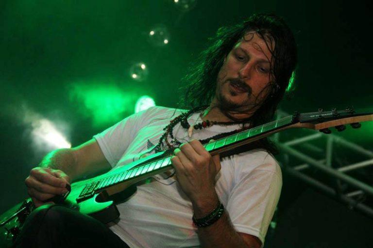 Angra: Rafael Bittencourt conta detalhes do OMNI na Rock Freeday